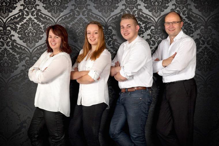 Zu Müllers, Langenmosen - Familienfoto
