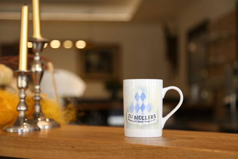Zu Müllers, Langenmosen - Tasse mit Logo
